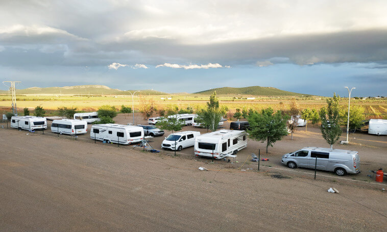 zona de camping | zona de descanso | parking carabanas | parking caravanas | pernocta caravanas | aguas grises y negras
